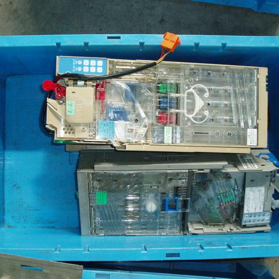 自動販売機コインメックの破砕例